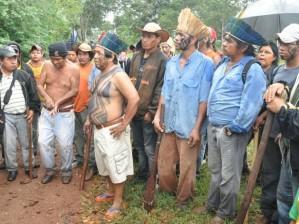 indios-terena-na-fazenda-buriti